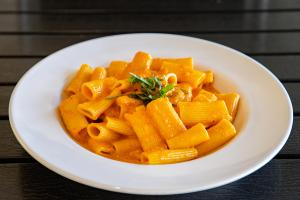 Rigatoni with four cheese sauce