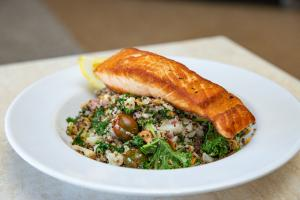 Salmon Super-Bowl