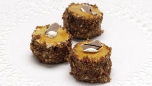 Mini Caramel Cakes